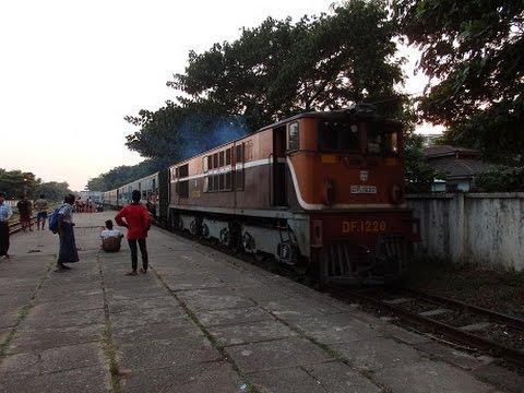 Myanmar Railways Yangon Commuter Train မြန်မာမီးရထားရန်ကုန်ခရီးသည်ရထား