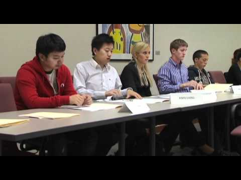 Undergraduate Business Students Learn From Corporate Executives