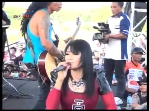 Ratna Antika ~ MERIANG Monata Live in GARMOR Muryolobo Jepara 2015
