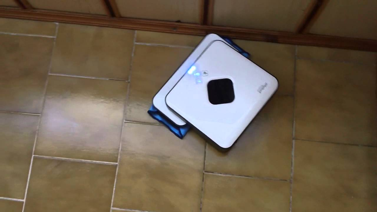 iRobot Braava 320 - *WET-mode* dirt & mud on tiles in entry way 3/3 ...