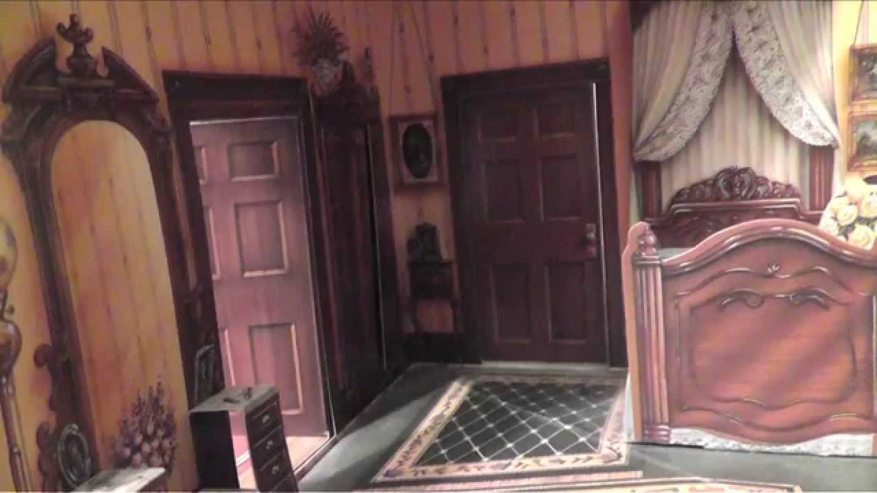 Incredible Pop Up Victorian Dollshouse