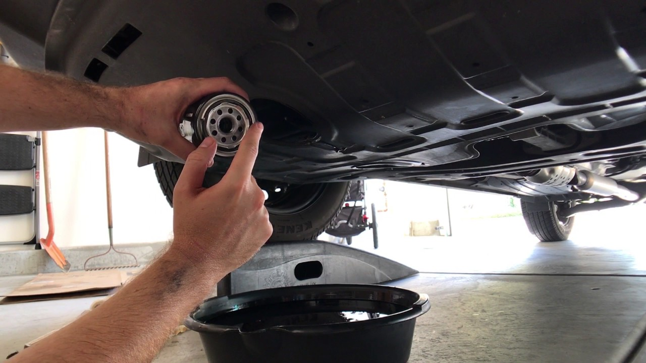 How To Change The Oil In A Hyundai Tucson Youtube