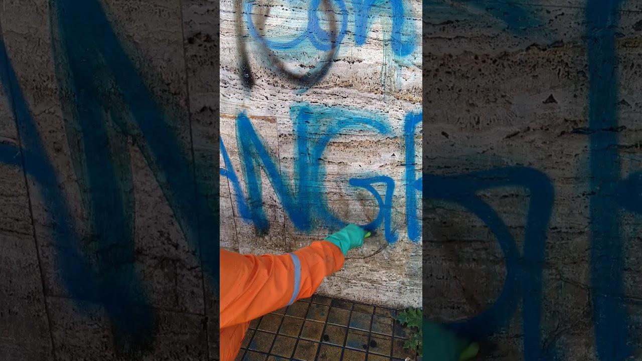 Limpiando Graffiti del mármol