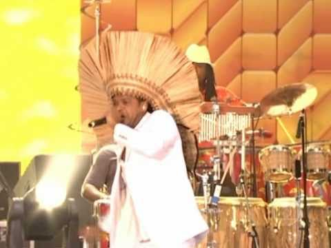 "Brazilian Day NY 2010 - Carlinhos Brown performing ""Maria Caipirinha"" & ""Agua Mineral"""