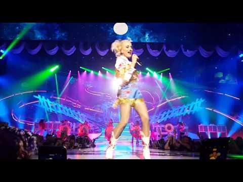 Gwen Stefani - Make Me Like You And Hey Baby 6/27/18