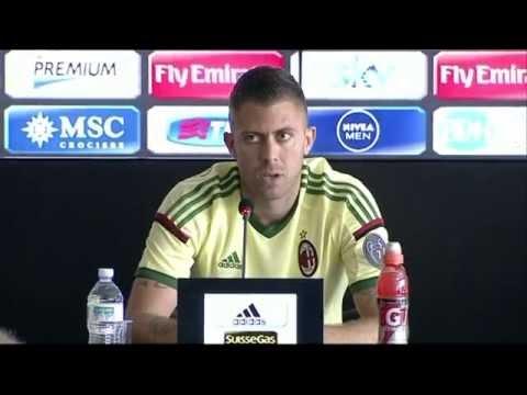 Alex & Menez ready to shine   AC Milan Official