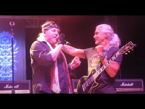 George Lynch rejoined DOKKEN on stage Jun 5th for 3 songs Live United Music Festival!
