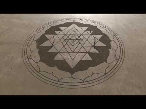 Deva Premal & Miten with Manose - OM Kumara Mantra - Sand Sri Yantra