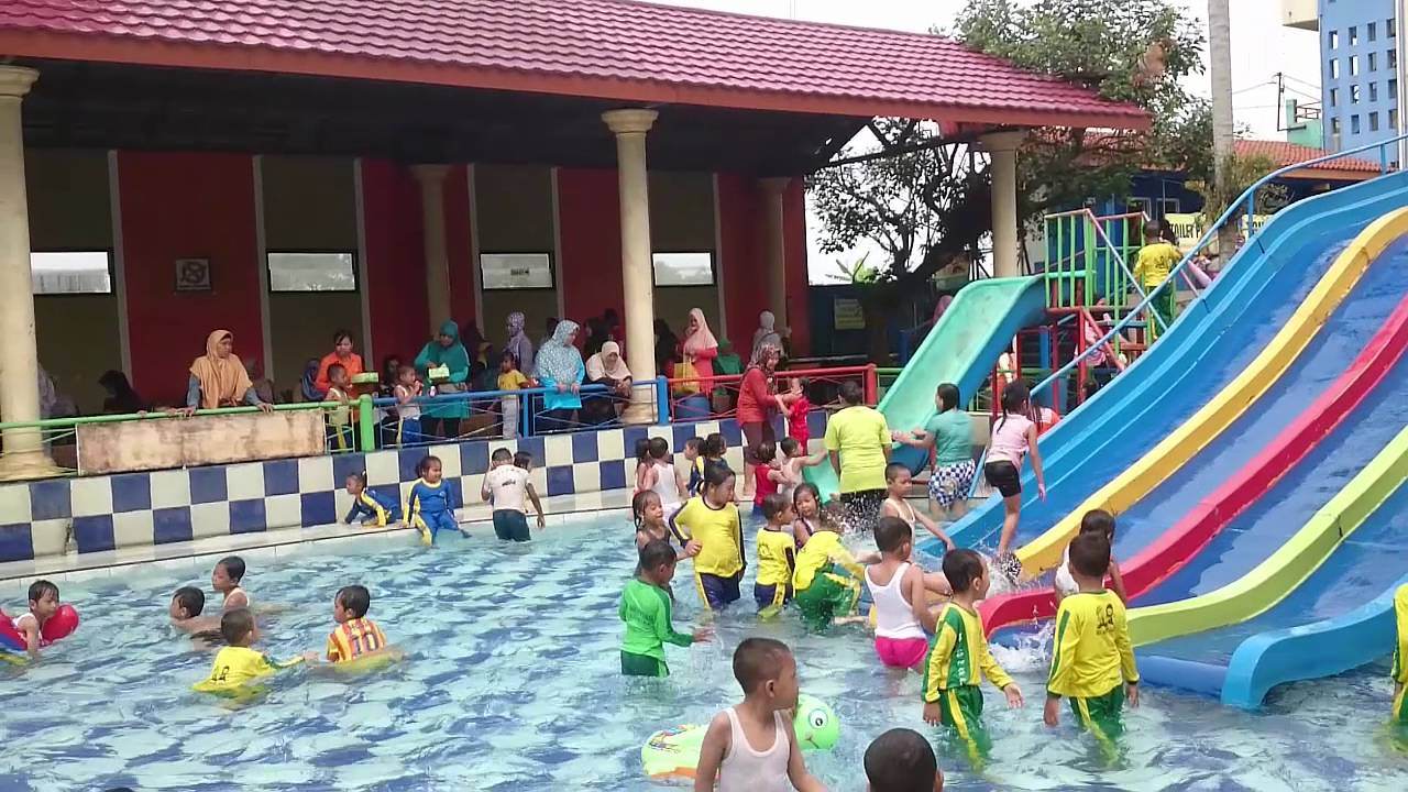 Slides For Kids In Water Park With Big Fish Swimming Pools
