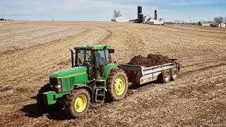 spreading-spring-manure-john-deere-7600