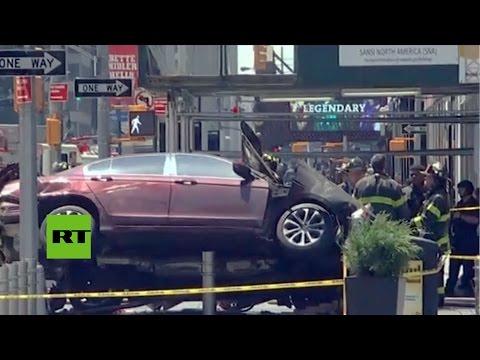 Primeras imágenes: Un coche atropella a una multitud en Times Square, Nueva York