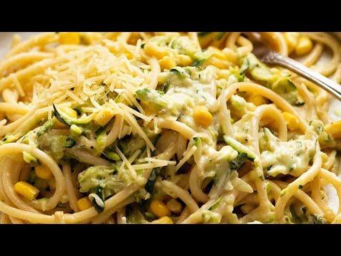 Pasta with Creamy Zucchini Sauce