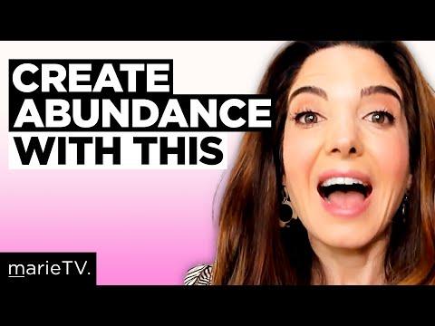 2 Weird Money Habits That Train Your Brain For Abundance