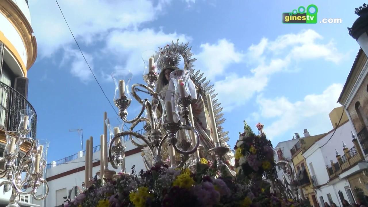 La Patrona de Gines recorrió la localidad en una procesión llena de esplendor
