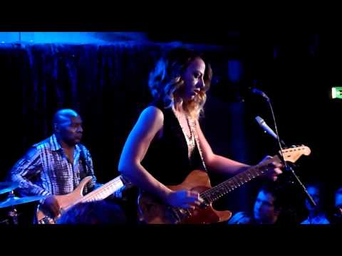 Samantha Fish - Black Wind Howling' / I Put A Spell On You -- The Borderline, London - 13/11/15