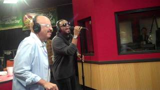 Carl Thomas Performs While Visiting The Red Velvet Cake Studio.