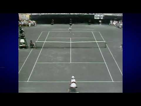 US Open On This Day: Renee Richards vs. Virginia Wade