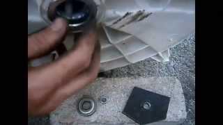 Замена подшипников в машине Indesit(Замена подшипников и ремонт бака в машине индезит. Ремонт Indesit производил из подручных материалов, имея..., 2014-07-29T16:24:48.000Z)