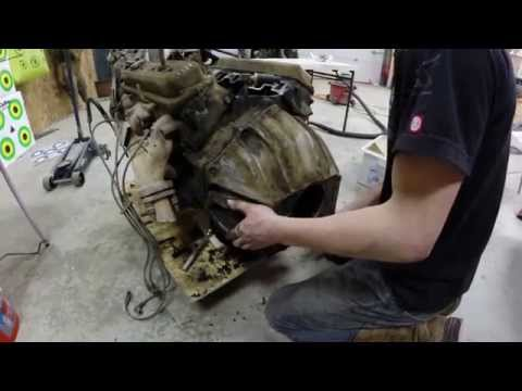 Removing the bellhousing from a Chevy 350