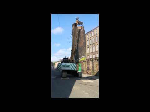 Globe Mill, Slaithwaite, Mill chimney demolition