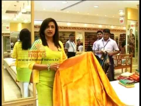 Beena Kannan showing Latest Marriage Saree Trends