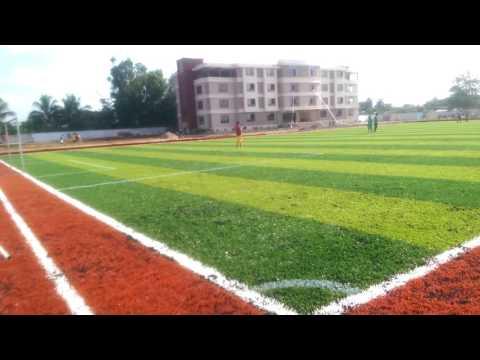 Ecole Internationale Atlantique - au terrain de sport (2300 m2)