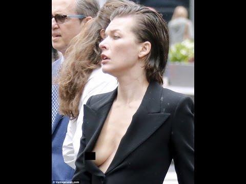 Мила Йовович показала обнаженную грудь