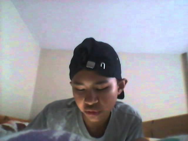 Asiankid sings Heartbreaker G-DRAGON English(Fail)
