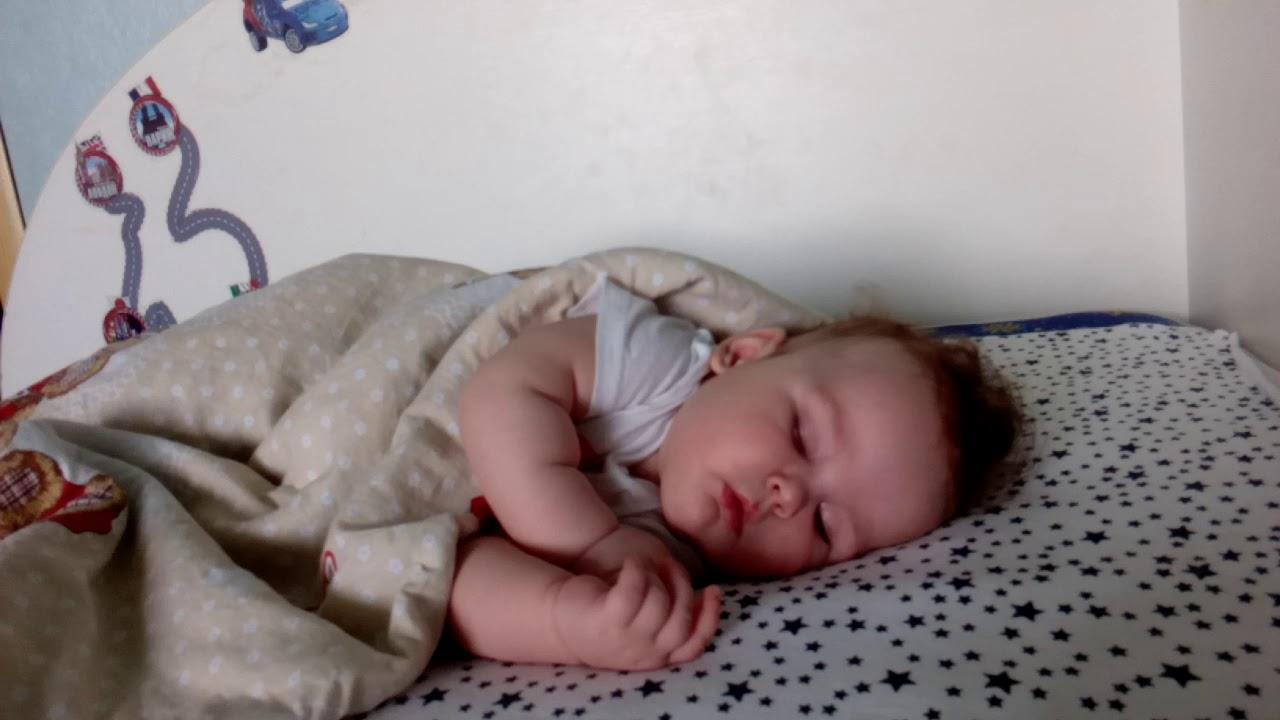 Сон ребенок мальчик обкаканый