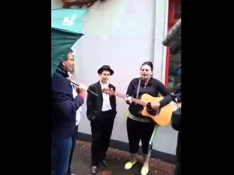Daniel O'Donnell, Kathleen & Davie Keenan Singing''The Homes Of Donnegal''