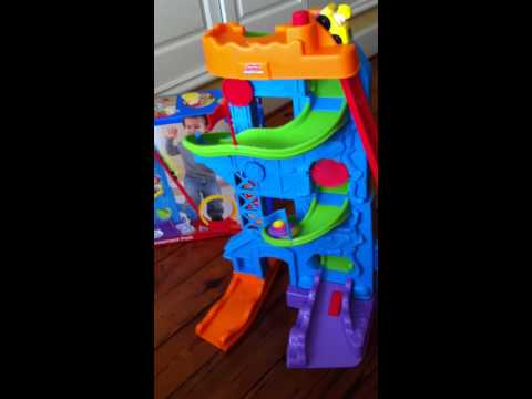 Toyportfolio.com: Fisher-Price's Little People Wheelies Loops 'n Swoops Amusement Park