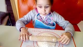 Рецепт Пицца без дрожжей и яиц (Готовим вместе с детьми)