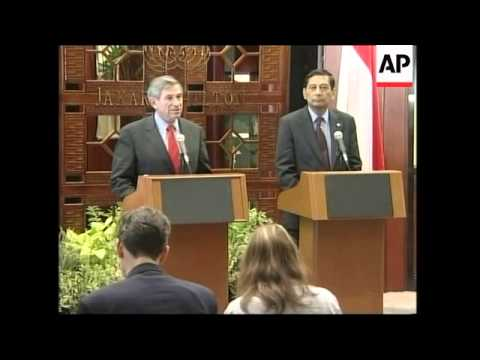 Wolfowitz meets defence minister, comments at presser