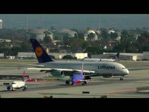 LAX Los Angeles Airport Live With ATC