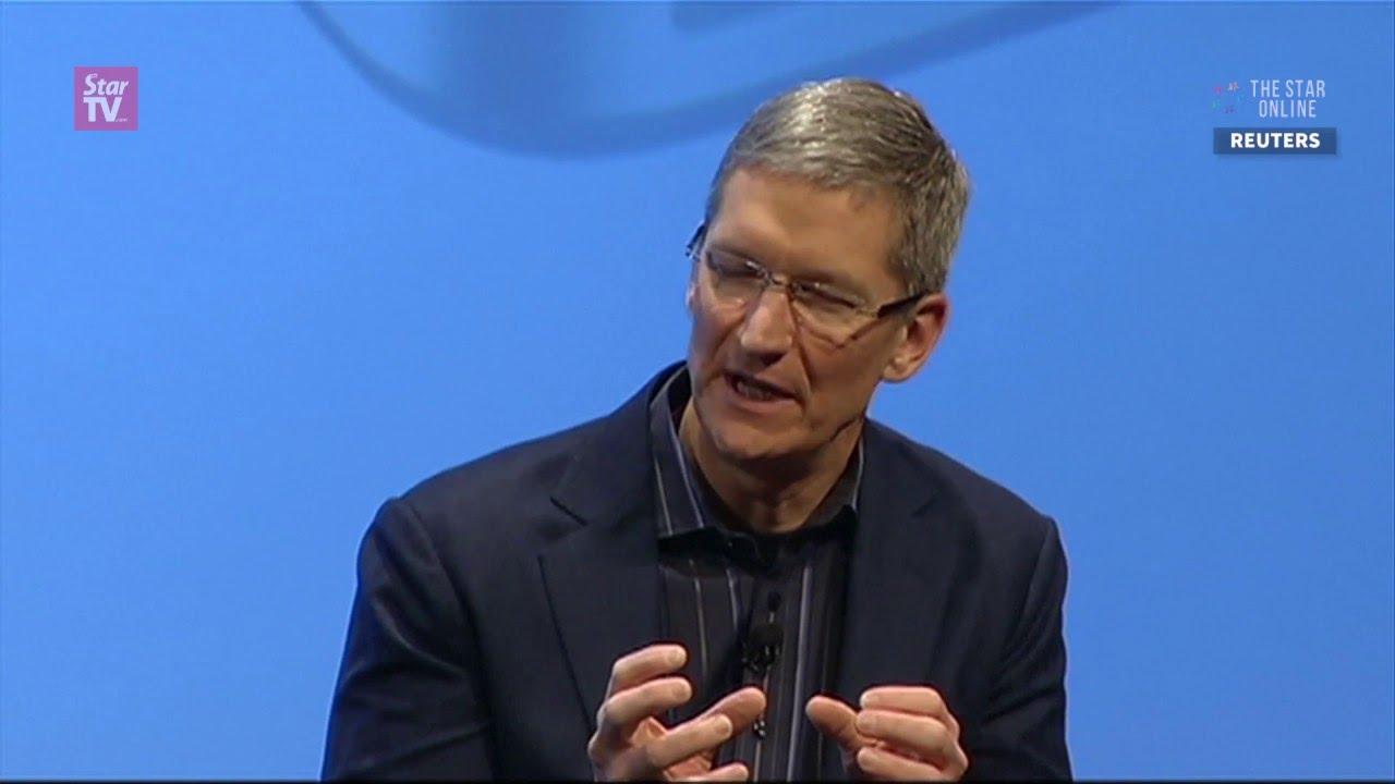 Poll: Americans backs Apple