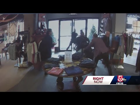 Store Employees Confront Shoplifters Over Expensive Coats