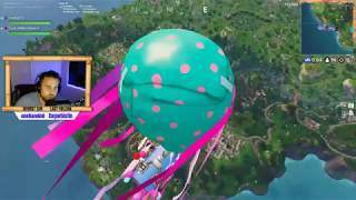 Freestyle Rapping while playing Fortnite (I just want to go down, Retail Road on the ground)