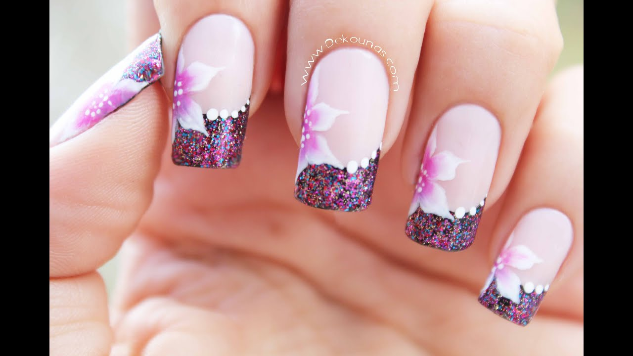 Decoraci n de u as de flores flowers nail art youtube for Decoracion de unas de rosas
