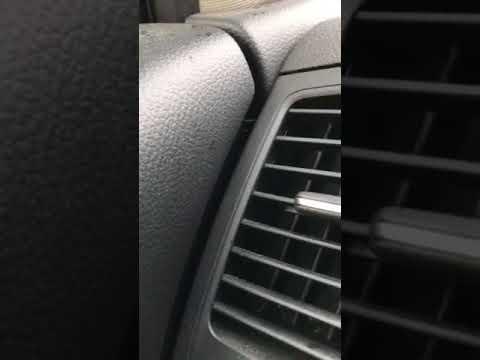 В машине поселился паук