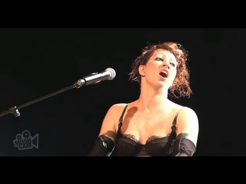 Dresden Dolls - Fight For Your Right (Beastie Boys) (Live in Sydney) | Moshcam