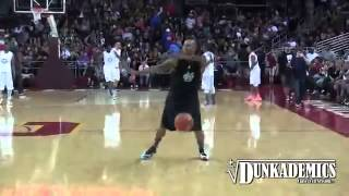 Repeat youtube video Chris Brown does the NaeNae Dance