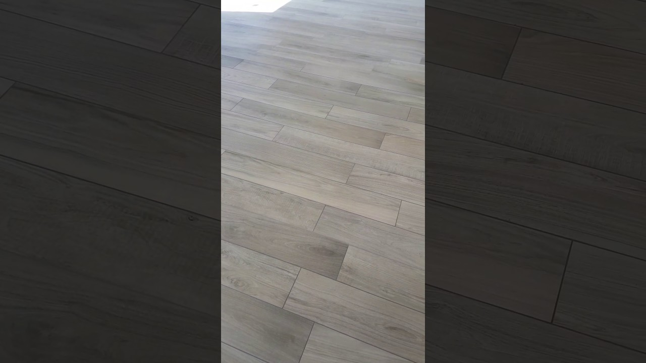 carrelage type parquet sur plancher chauffant youtube. Black Bedroom Furniture Sets. Home Design Ideas