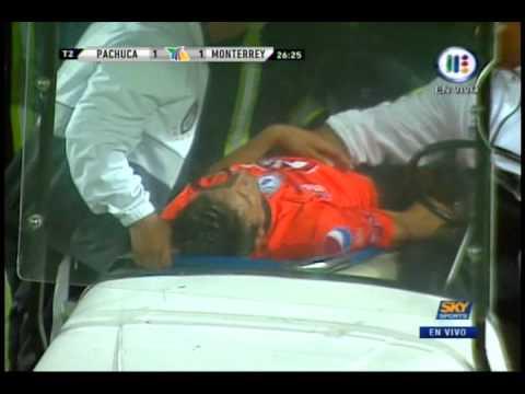 Edgar Benitez Se Desvanece Durante Partido Pachuca...