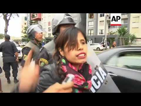 Students clash with police during demo to protest against Fujimori pardon