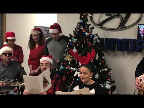 Hyundai Canada Quebec office celebrates the 12 days of Booking