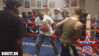 Майвезер старший преподал урок молодому бойцу/Хороший бокс Флойда Мейвезера старшего!