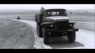 Слава Карасёв отправляется на инструментальный завод. Фрагмент из х/ф Ещё Можно Успеть (1974)