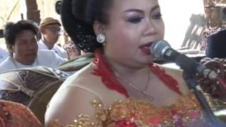 Video Ngudang Anak Voc. Hesti Karawitan Nyoto Laras Live Jatirejo 2016 download MP3, 3GP, MP4, WEBM, AVI, FLV Mei 2018