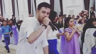 Брат посвятил сестре на свадьбу песню. Лучший подарок!