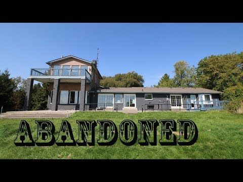 (TIME CAPSULE) Exploring Abandoned/Vacant Lakefront Mansion with everything left behind, Old Jaguar